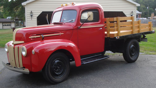1947 Ford pickup running boards