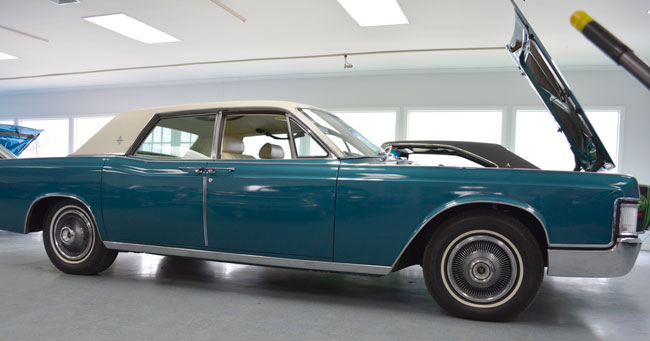 1969 Lincoln Continental 4Dr