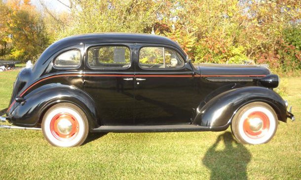 1938 plymouth 4 door deluxe