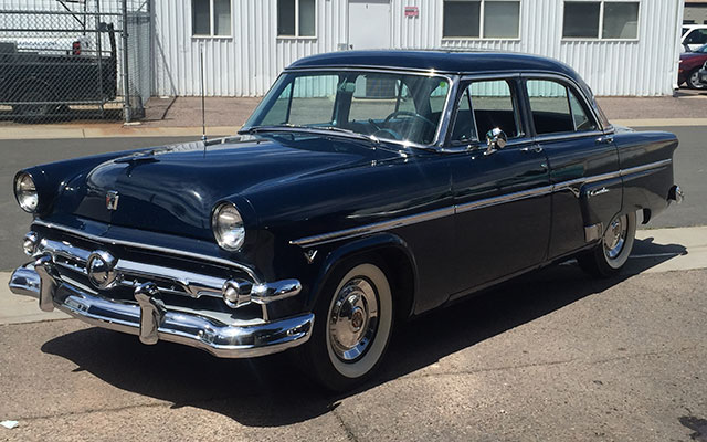 1954 ford crestline four door