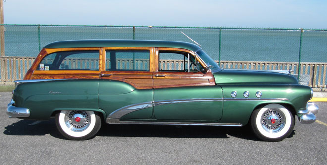 1952 Buick Super Estate Woodie Wagon