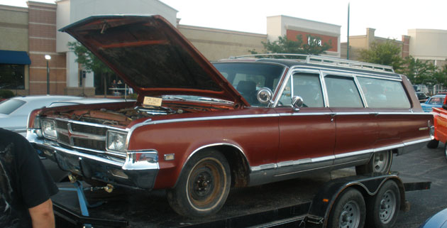1965 Chrysler New Yorker Station Wagon