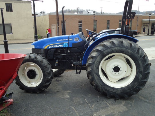2011 New Holland Workmaster 65