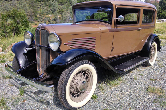 1932 Willys Overland 6-90 Tudor Sedan