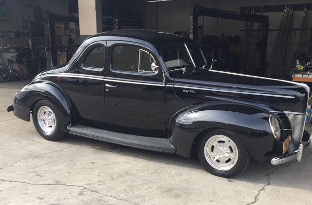 Ford Coupe Deluxe