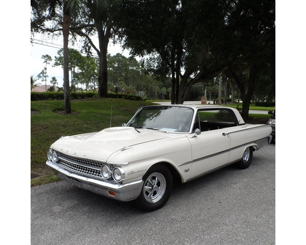 1961 Ford Galaxie Coupe